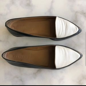 EVERLANE The Point black and white flats